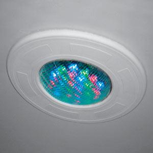 Fari subaquei lampade colorate e led per piscine 1000 - Strisce led per bordo piscina ...